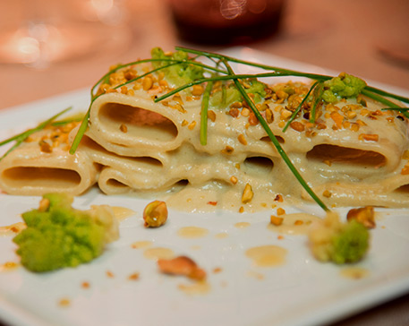 Paccheri con baccalà,broccoli e pistacchi di bronte